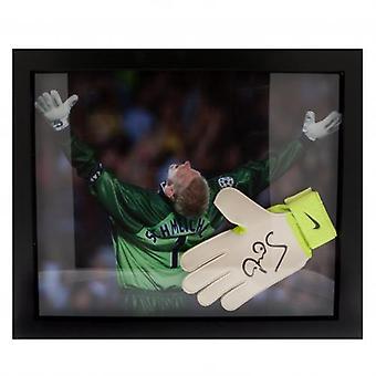 Manchester United Schmeichel Signed Glove (Framed)