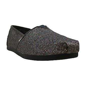 Toms Womens Classic Closed Toe Loafers