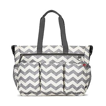Überspringen Hop Duo Double Signature Change Bag (Chevron)