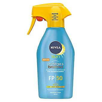 Spray Sun Protector protege & Broncea Nivea SPF 50 (300 ml)