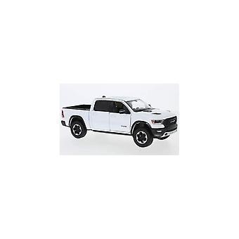 MotorMax Motormax 2019 RAM 1500 Cabina equipaggio Rebel White 1:24