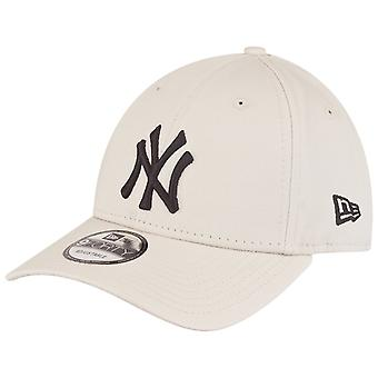 New Era 9Forty Strapback Cap - New York Yankees beige