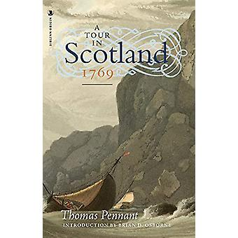 A Tour in Scotland - 1769 by Thomas Pennant - 9781912476008 Book