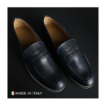 SB 3012 - shoes - moccasins - 1000_CRUST_BLU - men - navy - EU 43