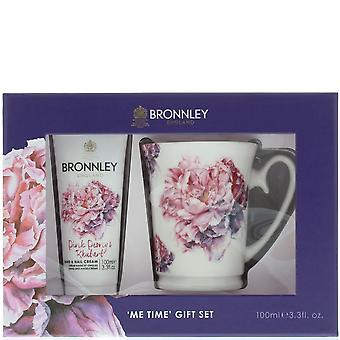 Bronnley Pink Pivoine & Rhubarbe Me Time Cadeau Ensemble Crème pour les mains 100ml & Mug