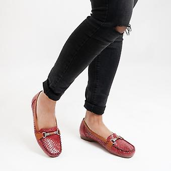 Rieker 40055-35 Dames Geperforeerd Loafers Rood