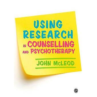 Mediante investigación en orientación y psicoterapia por John McLeod - 9781