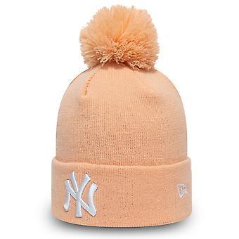 New Era Women's Winter Hat Bommel Beanie - NY Yankees Pink