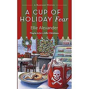 A Cup of Holiday Fear (Bakeshop Mystery)