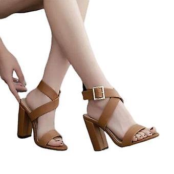 Nouvelles sandales à talons trapus à sangle croisée