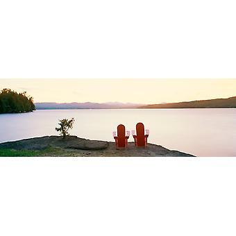 Puinen nurmikon tuolia näkymä Basin Harbor Vermont Juliste Tulosta