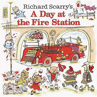 A Day at the Fire Station by Richard Scarry - 9780613838795 Book