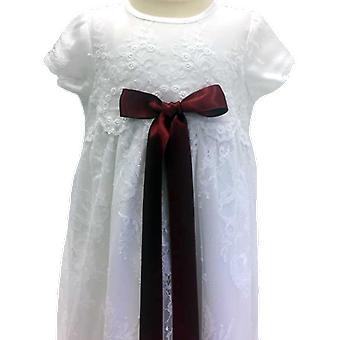 Dopklänning I Vit Spets Med Vinröd Doprosett. Grace Of Sweden