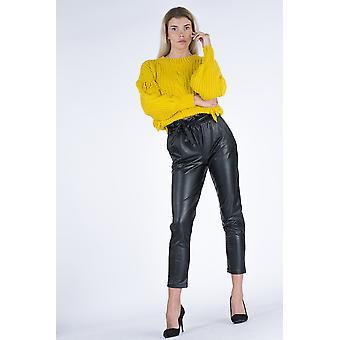 Paras naisten vyöllinen musta nahka näyttää housut