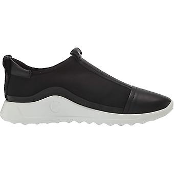 ECCO Women's Flexure Runner Slip on Sneaker