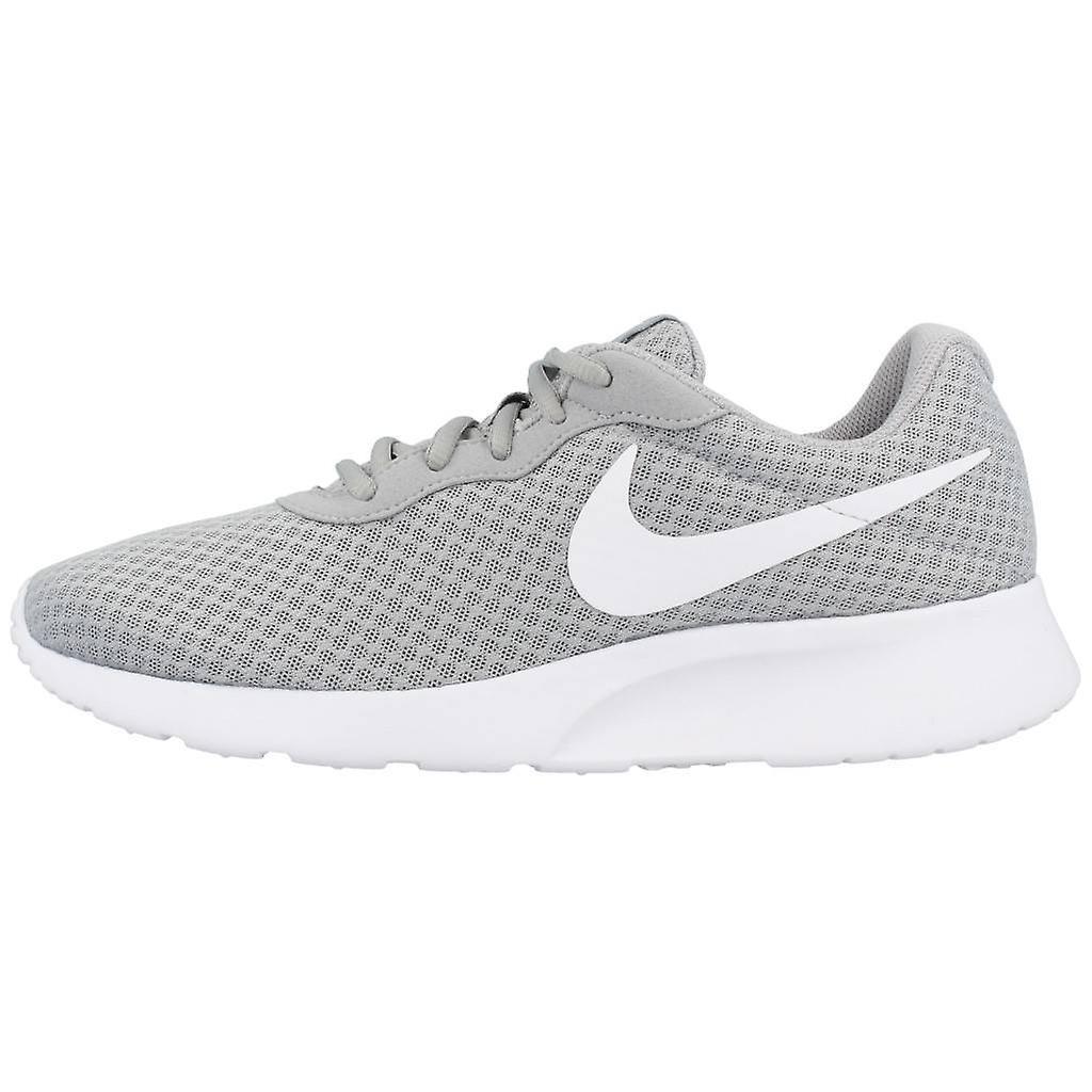 Nike Sport / Tanjun Couleur 010 Sneakers