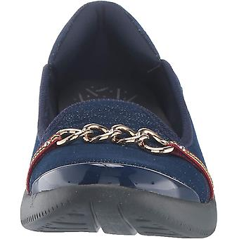 BZees Women's Admire Loafer