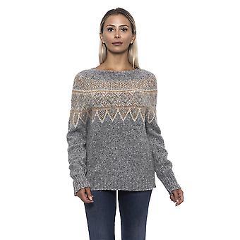 Stredne veľký sveter