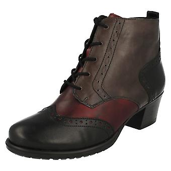Ladies Remonte Brogue Style Warmlined Boots D3180