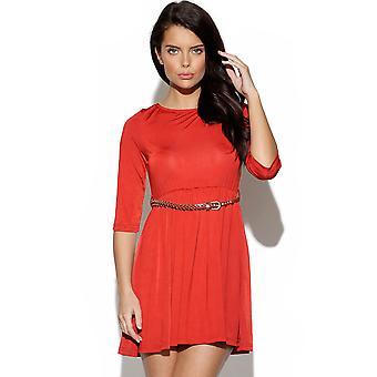 Rote Skater-Kleid mit Gürtel