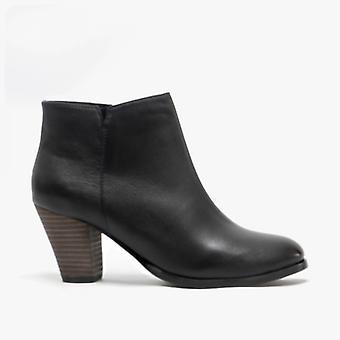 Cipriata Aderita mjukt läder fotled stövlar svart