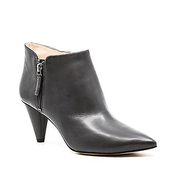 Nine West | Yames Leather Ankle Booties