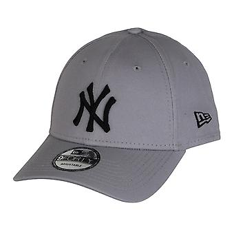 New Era Colour Essential 9Forty Adjustable Cap ~ New York Yankees lt grey