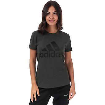 Frauen's adidas muss Abzeichen des Sports T-Shirt in grün haben