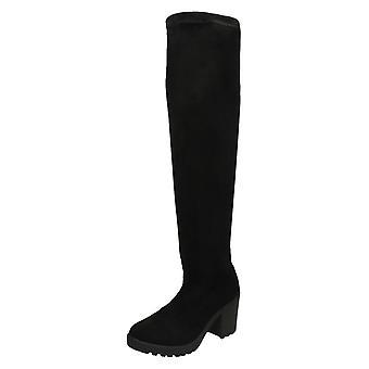 Damen vor Ort am Knie hohe Stiefel