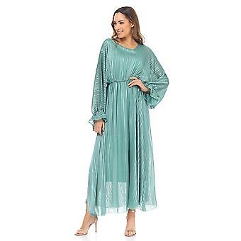 Lang kjole med flynederdel, flagermusærmer og elastisk talje