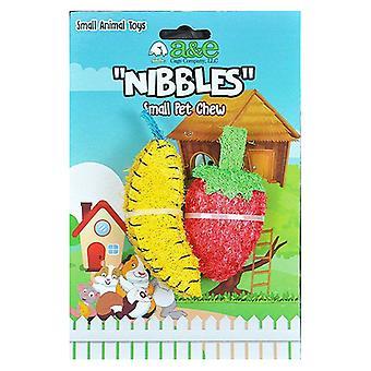 AE Cage Company grignote des jouets à mâcher à la fraise et à la banane Loofah - 2 compte