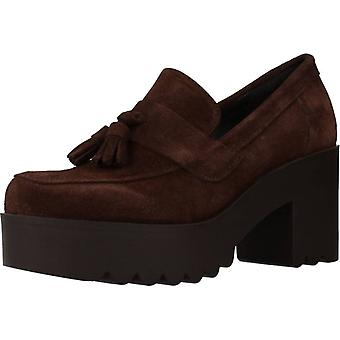 Clover Casual Shoes 15844c Brown Color