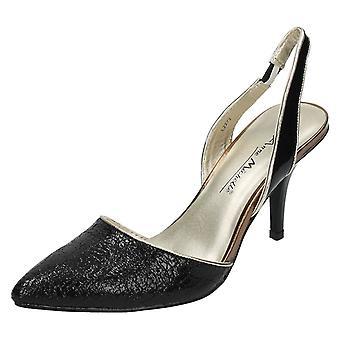 Zapato de Anne Michelle Slingback corte de señoras