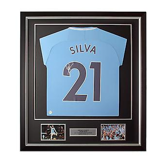 David Silva Signed Manchester City 2017-18 Football Shirt. Framed Limited Edition