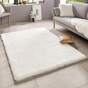 Soft faux fur rug superior uni cream white