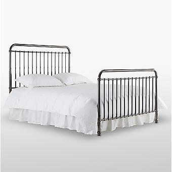 Růžová postel