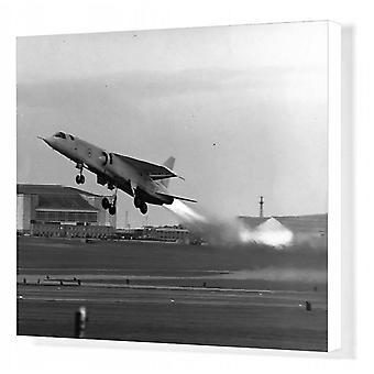 BAC TSR-2 XR219 podczas startu. Wydruk kanwy pudełkowej. BAC TSR-2, XR219, podczas startu.