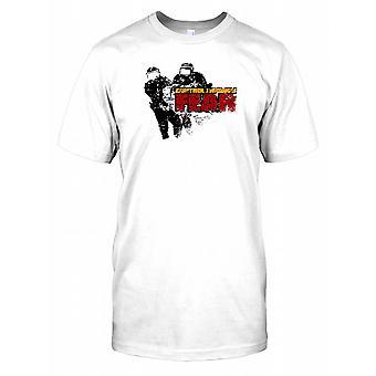 Kontrolle durch Angst-Herren-T-Shirt
