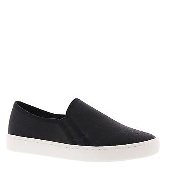 Easy Street Womens plaza Leather Low Top Slip On Fashion Sneakers