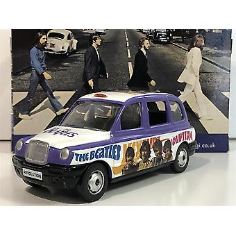 The Beatles Hey Jude London Taxi 1:36 Scale CC85928