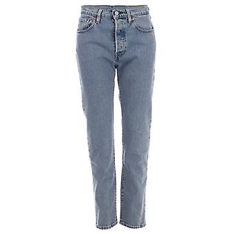 Women's Levis 501 Crop Walking On Air Jeans in Blauw