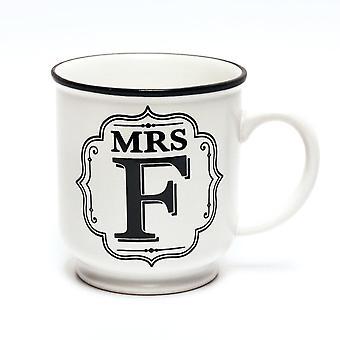 歴史とヘラルドリーアルファベットマグカップ - ミセスF