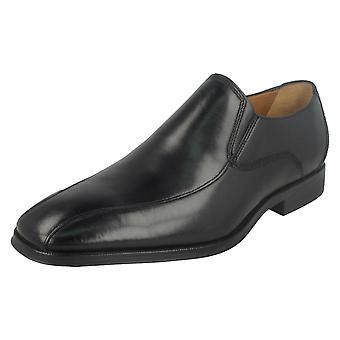 Herren Clarks formale Schuhe Gilman Slip