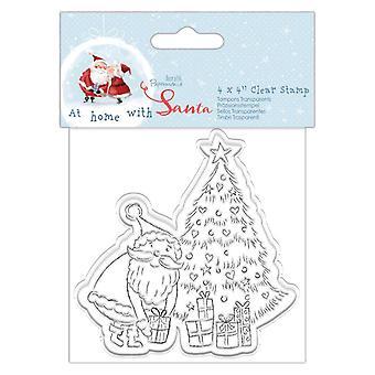 Papermania kotona joulupukin kirkkaan postimerkkipuun kanssa