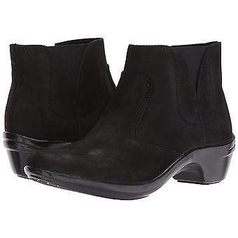 Aravon Women's Kitt Ankle Bootie
