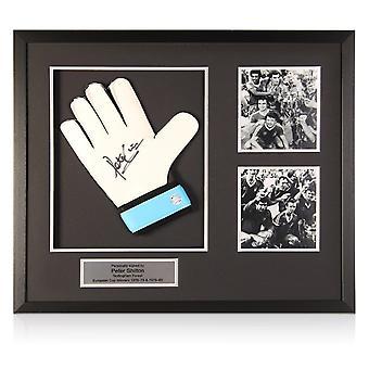 Peter Shilton signerade Glove Nottingham Forest Presentation. Inramade
