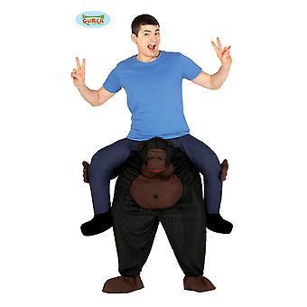 Macaco gorila traje às cavalitas do chimpanzé