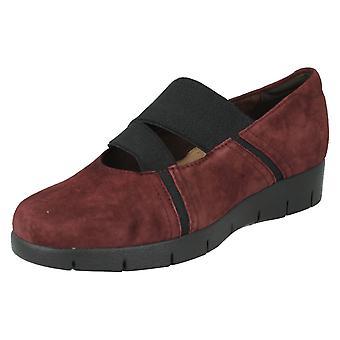 Ladies Clarks Casual Slip On Shoes Daelyn Villa Burgundy Size 3D