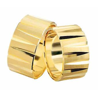 Yellow gold wedding rings uneven