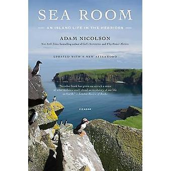 Sea Room - An Island Life in the Hebrides by Adam Nicolson - 978125007